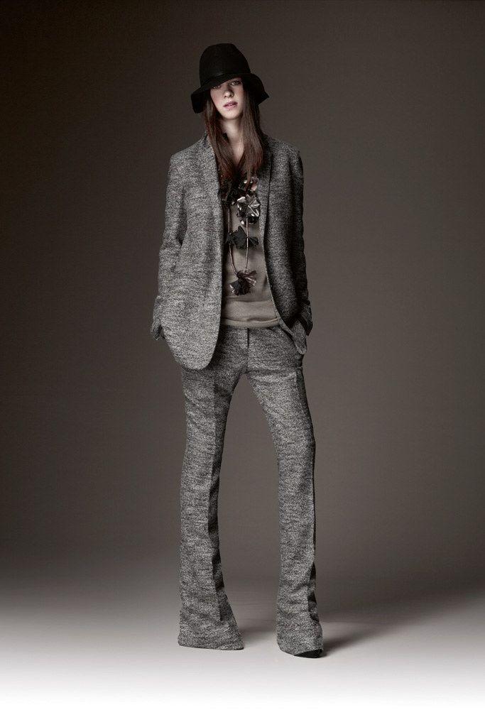 Burberry Prorsum Pre-Fall 2009 Fashion Show - Eden Clark