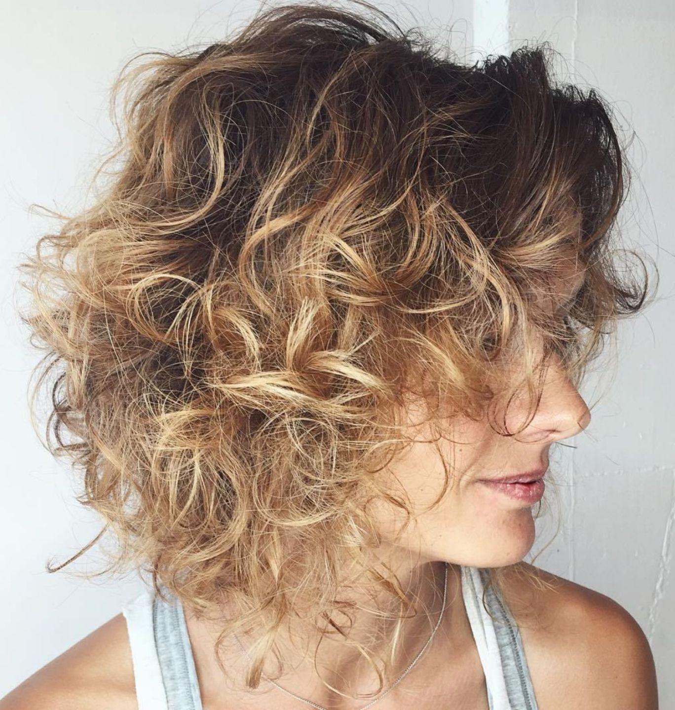 Pin On Kratke Kudrnate Vlasy