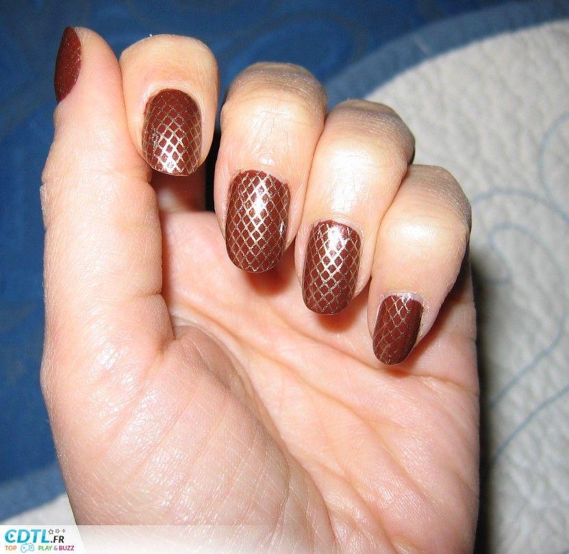 Déco ongles marron