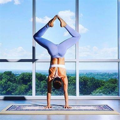 handstand  yoga pose  yoga inspiration  yogi goals
