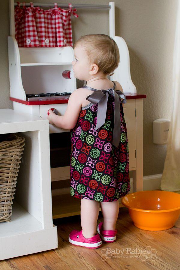 A Refreshed Pillowcase Dress Tutorial & A Refreshed Pillowcase Dress Tutorial | Pillowcase dress tutorials ... pillowsntoast.com