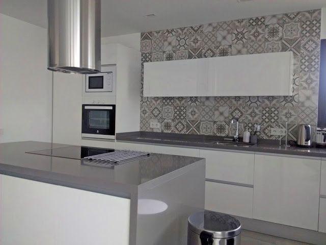 Cocina blanca y gris cocina pinterest cocina blanca for Ceramica cocina decoracion