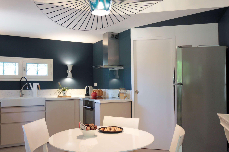 Coquette cuisine en petite camargue vauvert maztri - Architecte interieur paris petite surface ...