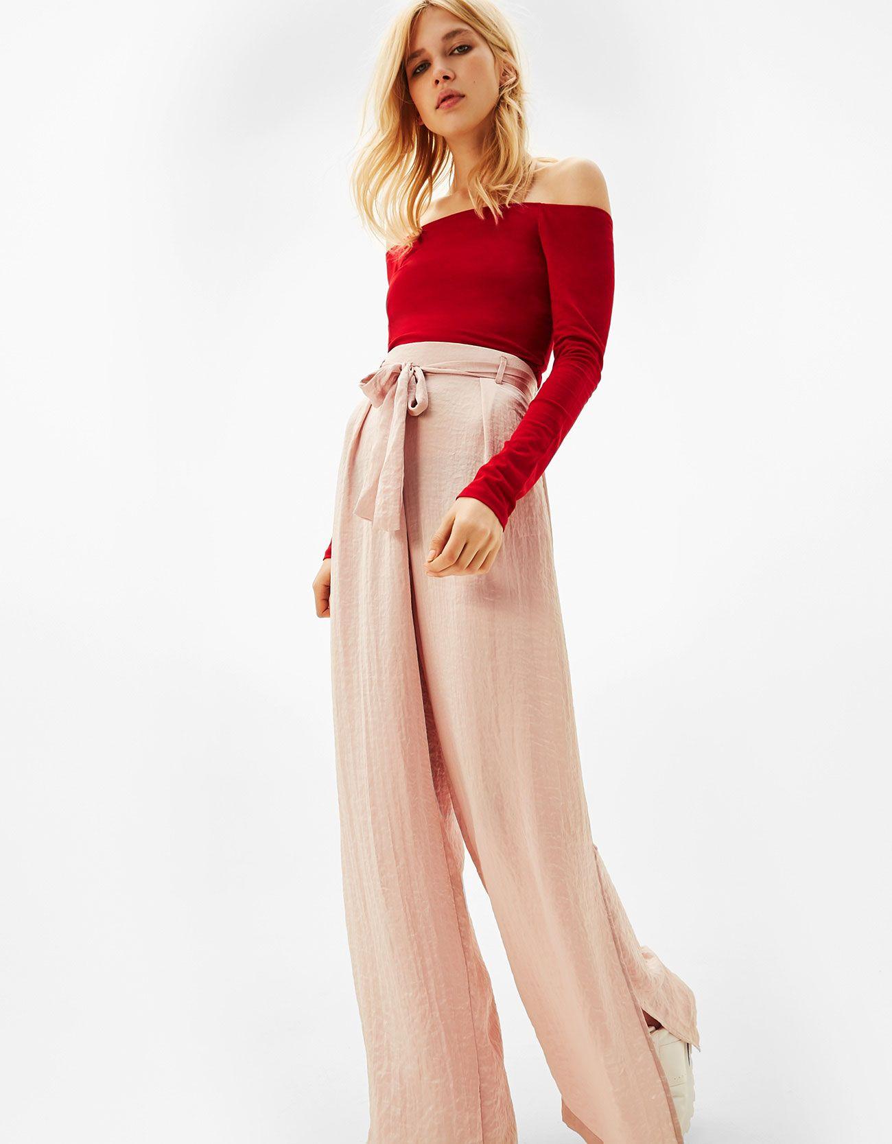 Pantalón ancho satén cinturón. Descubre ésta y muchas otras prendas en  Bershka con nuevos productos cada semana 59017c06ad6e