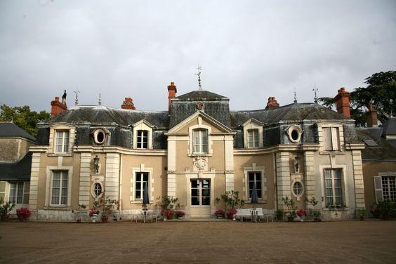 Chateau De Colliers Muides Sur Loire France French Castles French Chateau Posh Houses