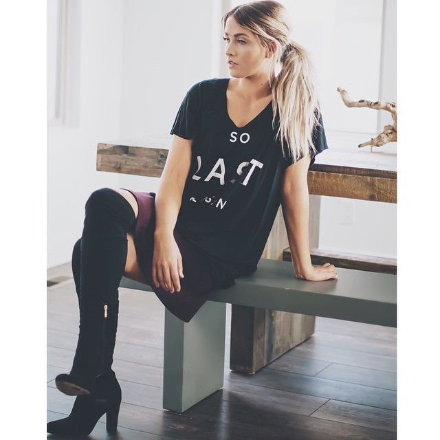 Talking all about the boyfriend tees from my line @caralorenshop today. The tops from this collection are almost sold out, so grab them quick and get excited for next season! #caralorenshop