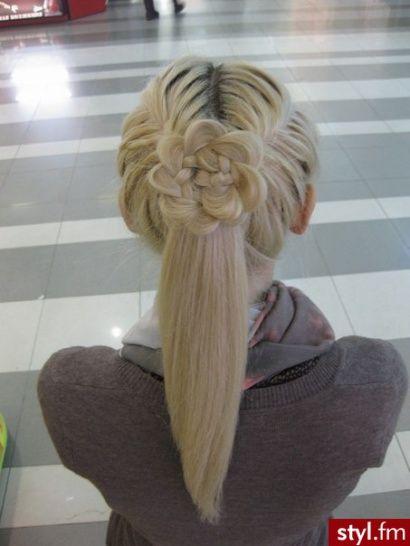 Trendy Fryzury Na Lato Elegancki Kucyk Strona 30 Styl Fm Long Shiny Hair Hair Styles Hair Braid Designs