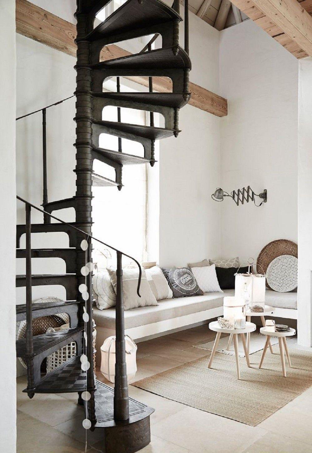Escalier Dans Un Salon Épinglé sur chambre cavee