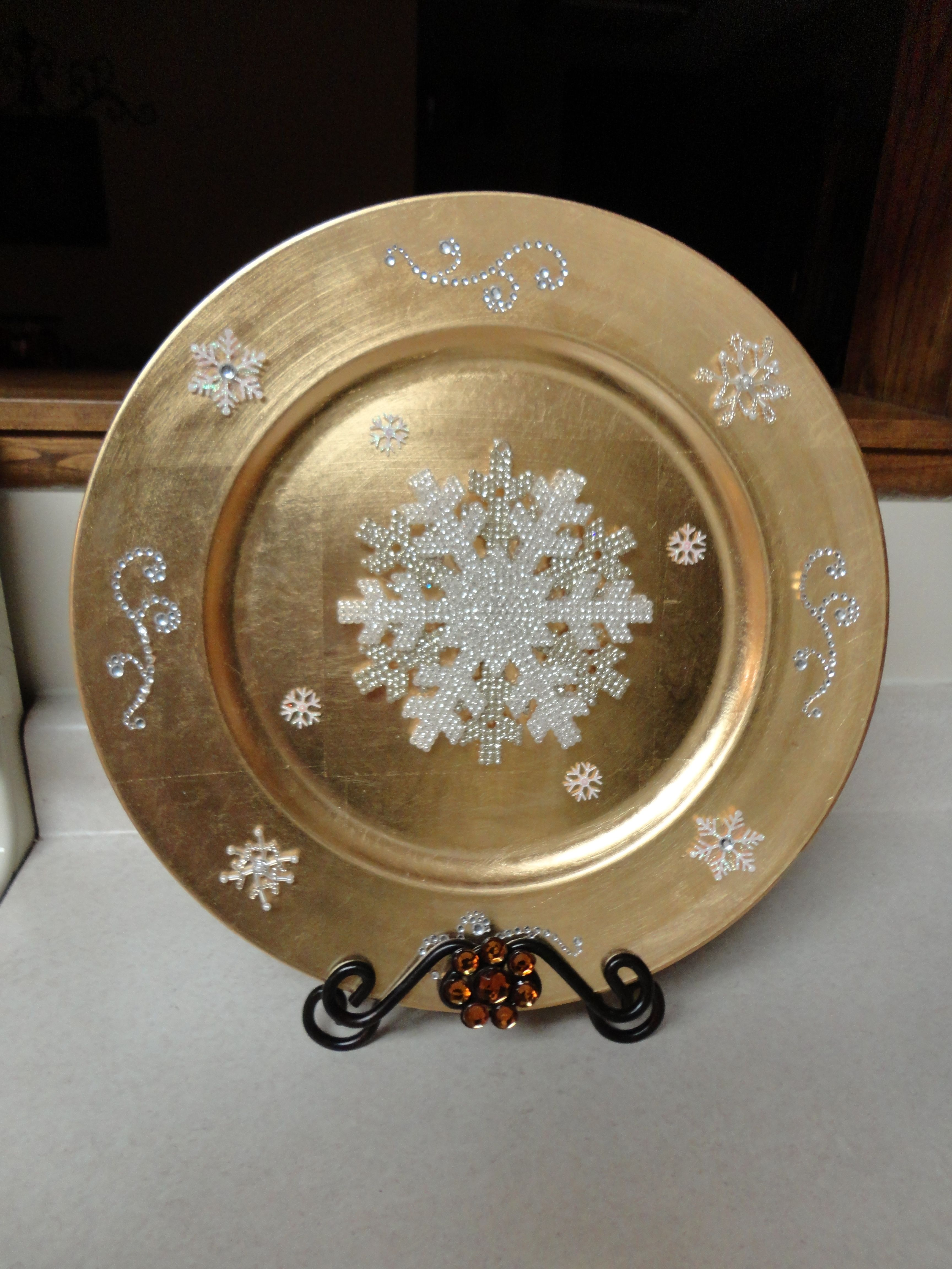 Winter Charger Plate Decor