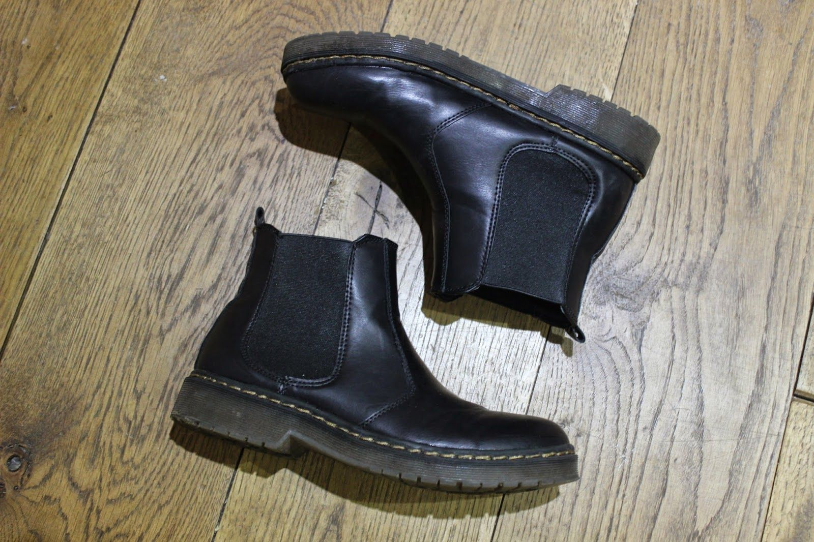 Missguided's Dr Marten's 2976 Chelsea Boots Dupes