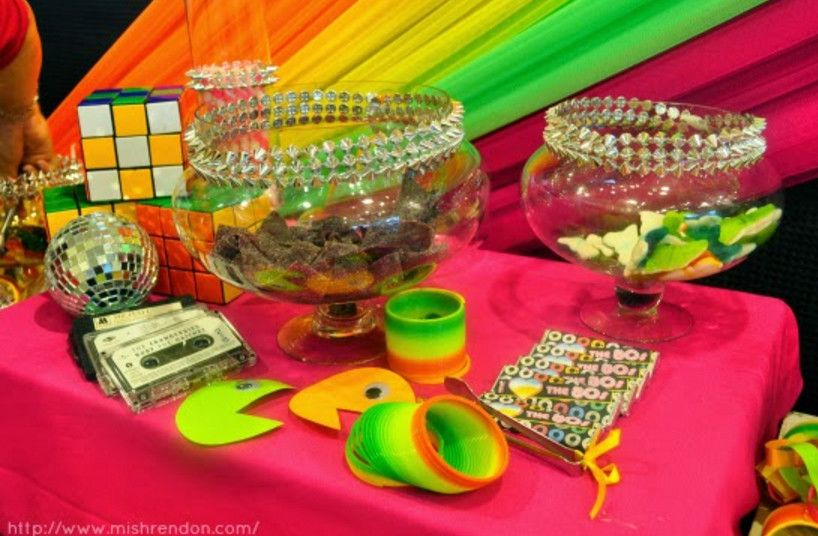 90s theme party supplies a very 90 39 s halloween