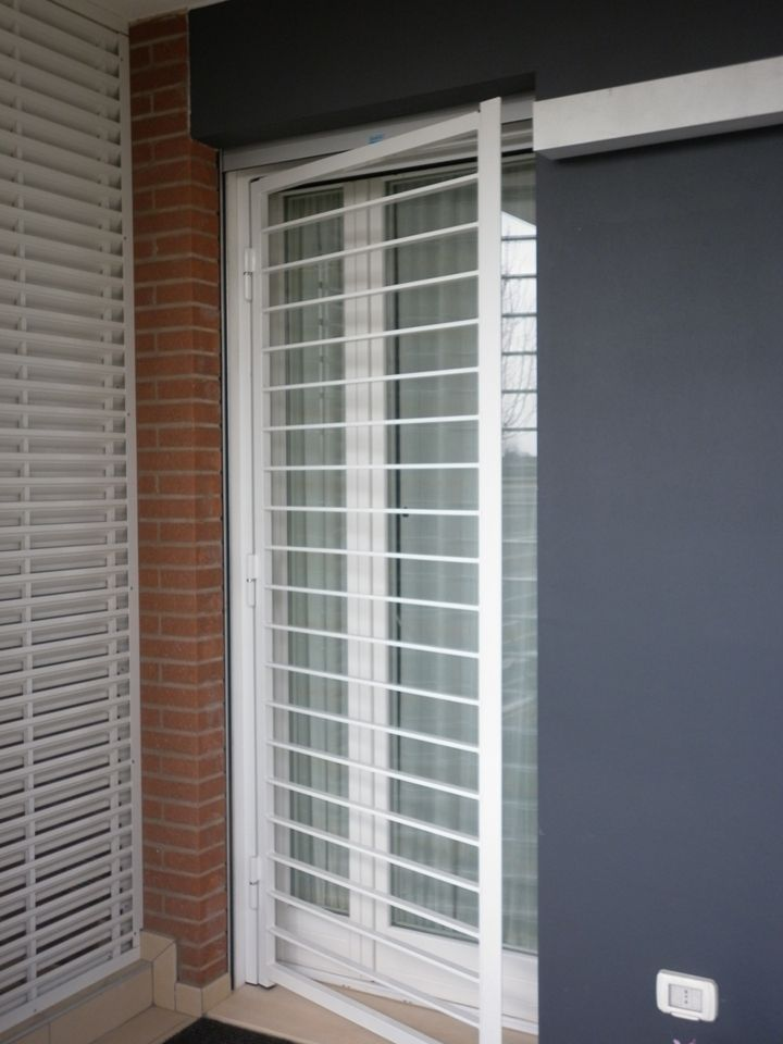 Inferriata apribile ad 1 anta bianca inferriate nel 2019 pinterest finestra porte - Finestra a bovindo ...