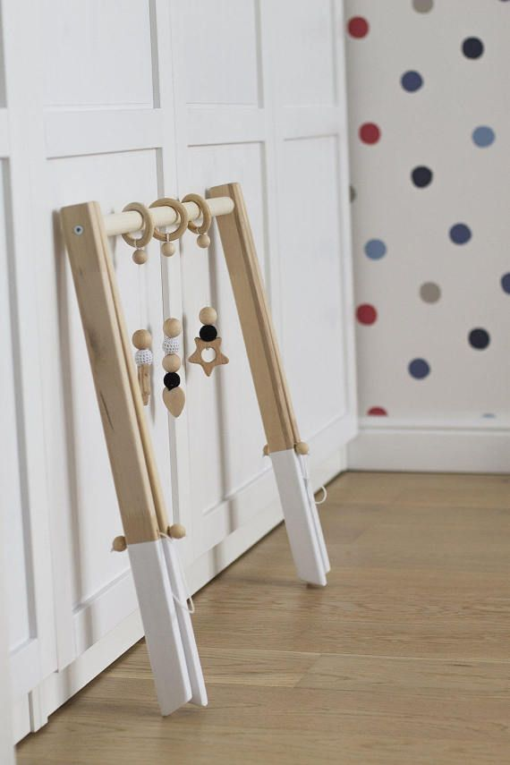 Wooden baby gym, no hangers, only frame + three wooden rings ...
