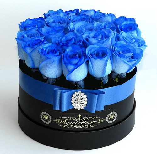 Royal Flower Rose Flower Boxes In Toronto Flower Delivery Gift Box Luxury Flowers Flower Boxes Special Flowers