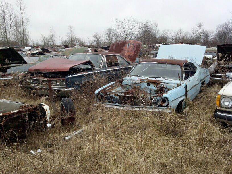 Pin by Christopher Chopin on Lost mopars | Rusty cars, Old ...