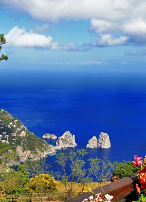 Read 30+ Anacapri travel tips, plan your travel with Venere and enjoy your vacation in Anacapri, Italy