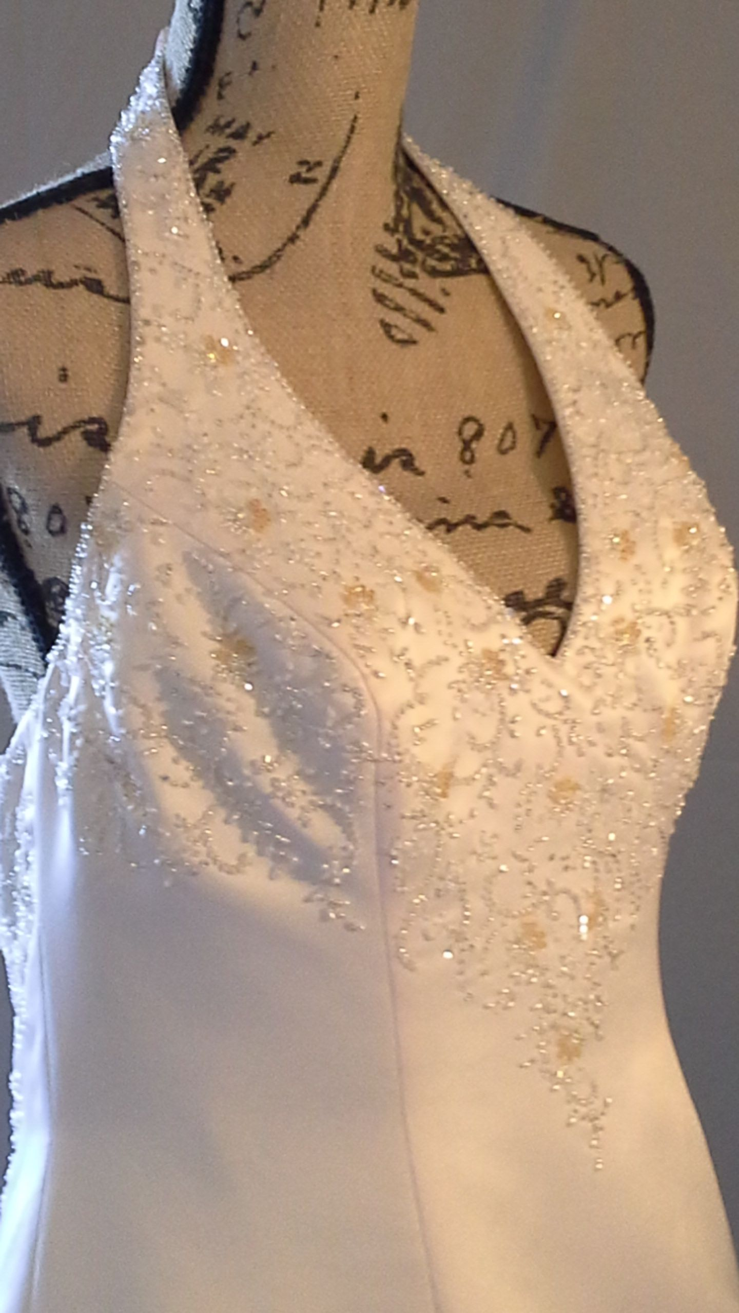 Wedding dress consignment shops near me  Elegant Pink Champagne in color with a hint of beige Size