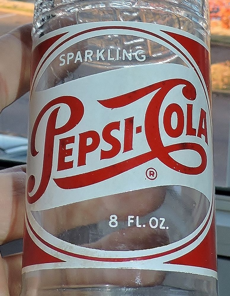 #S1925~Vintage Clear Glass Red White ACL Pepsi-Cola Soda Bottle New York, NY**