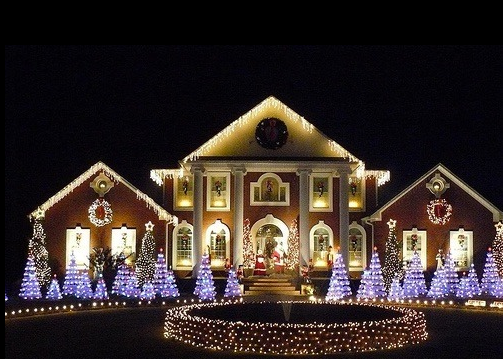 Pin By Jen Hartnett On Holiday Homes In 2020 Christmas Lights Outside Christmas House Lights Outdoor Christmas