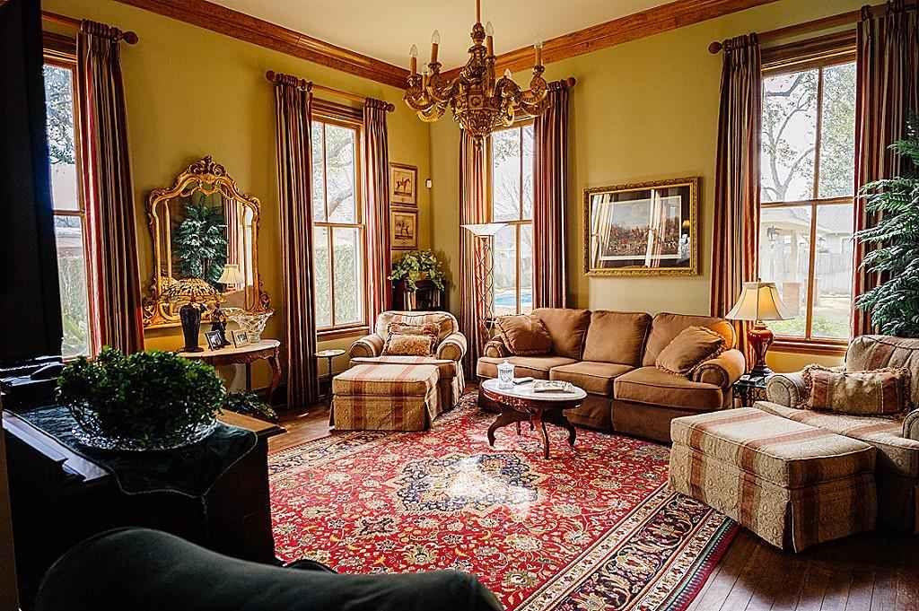 1870 Folk Victorian   Folk victorian, Victorian interior
