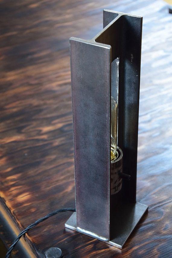 eine nachttischlampe der besonderen art wieder einmal. Black Bedroom Furniture Sets. Home Design Ideas