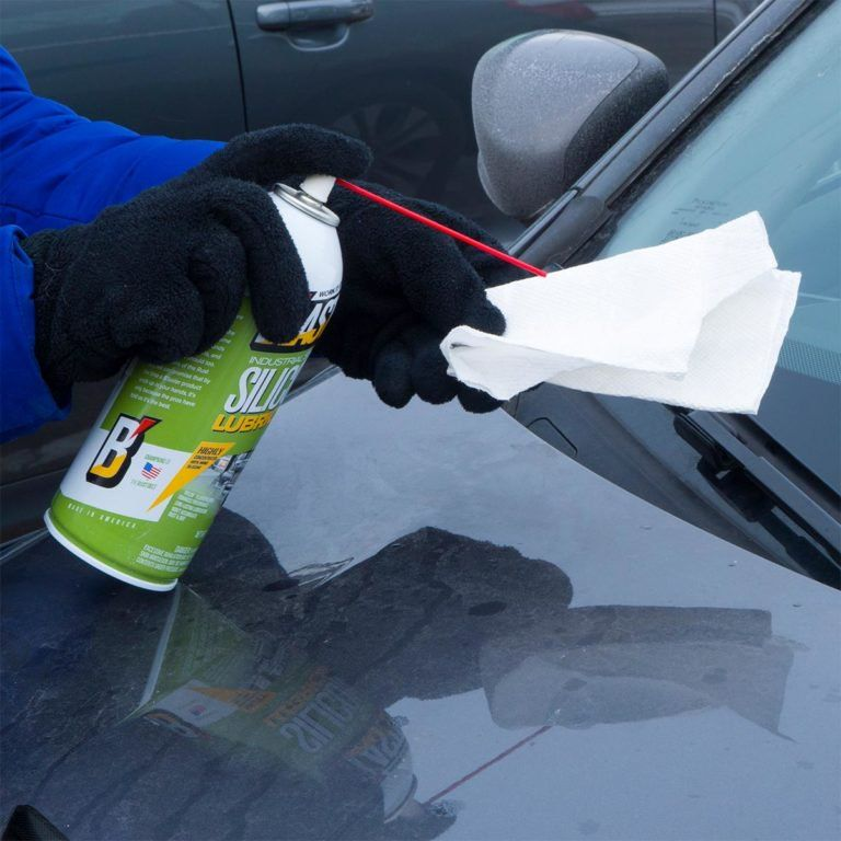 Spray Silicone Lubricant on Wiper Blades Car cleaning