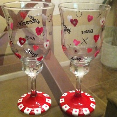 2 Hand Painted Love Heart Hugs Kisses Valentine Valentines Day Wine