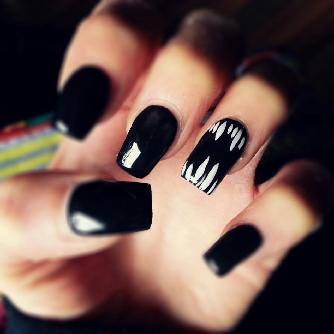 Schwarzes Gel-Nageldesign (Gespenst) | makeup | Pinterest | Dark ...