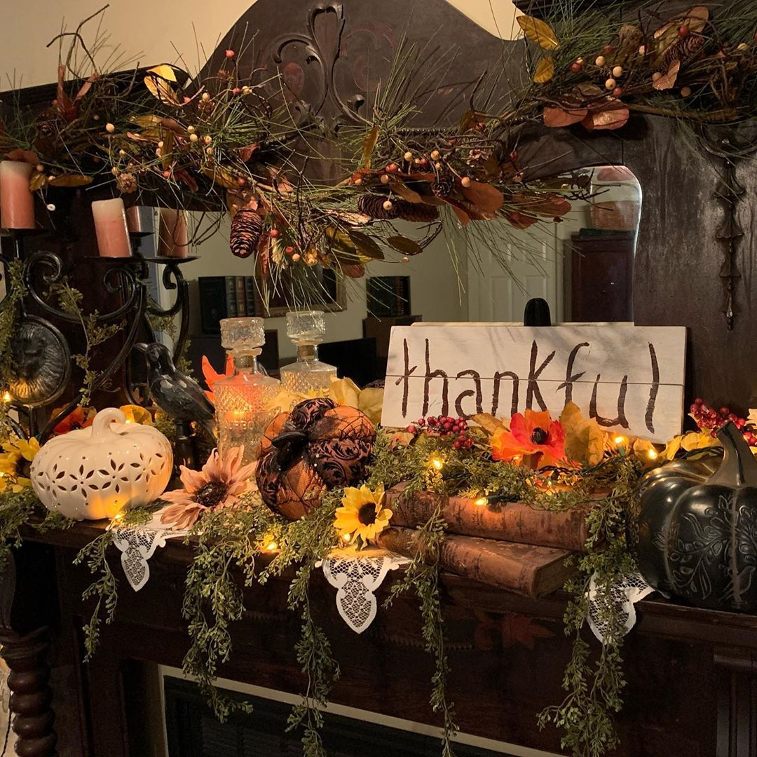 Just finished decorating the mantle for Thanksgiving. Now that decorating the h…