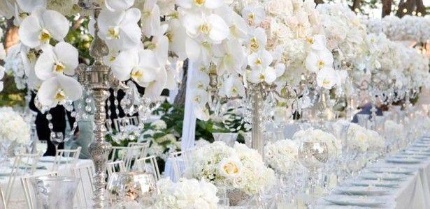 Amazing white floral winter wedding centerpieces with outdoor themes amazing white floral winter wedding centerpieces with outdoor junglespirit Choice Image