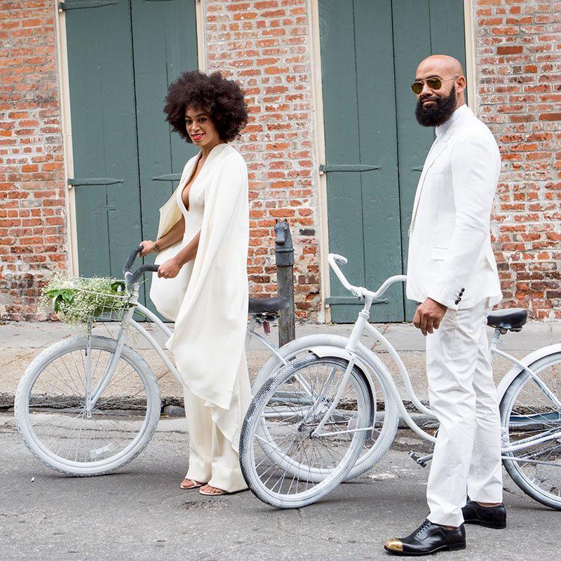 Keep rolling! Las celebrities muestran su estilo sobre la bicicleta. SOLANGE KNOWLES