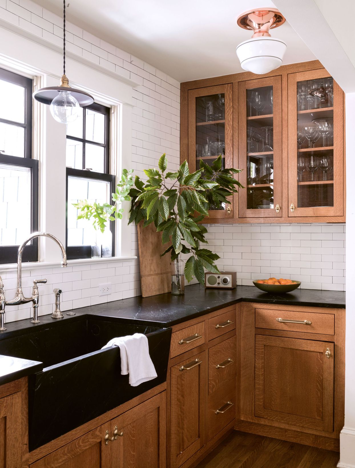 Designer Lauren Liess Turned An Arts And Crafts Charmer In Washington D C Into The Ultimate Family Home Kitchen Design Kitchen Remodel Kitchen Inspirations