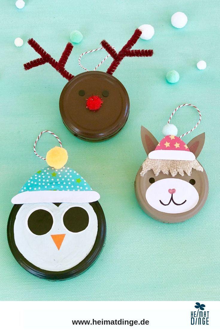 Weihnachten Basteln mit Kindern: Tierische Weihnachtsanhänger aus Deckeln im Cuchikind Adventskalender -
