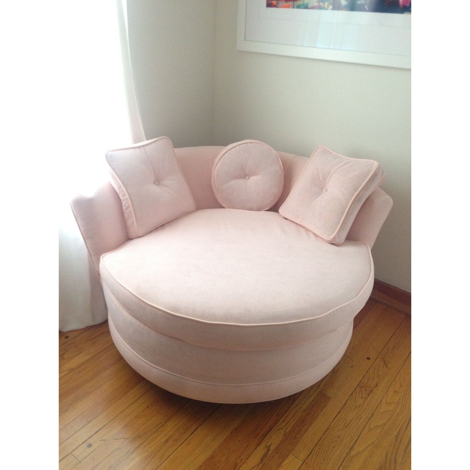 Round Loveseat In Pink Velvet For Sale In Los Angeles Image 6 Of