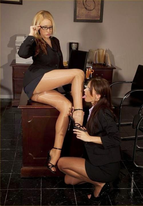 Sexy office lesbians