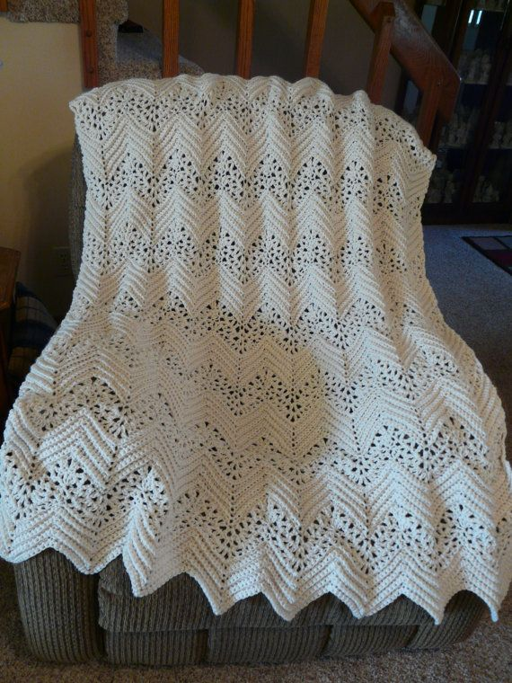Off-White Lacy Ripple Afghan FREE SHIPPING on 2nd Item to Same Address