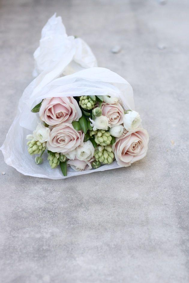 Erst stiehlst du ihm sein Herz und dann seinen Namen. Die einzige Form von Diebstahl, die auf Liebe beruht - hach, ist das romantisch und #stealhisname noch schöner! #Wedding #Inspo #Hochzeit