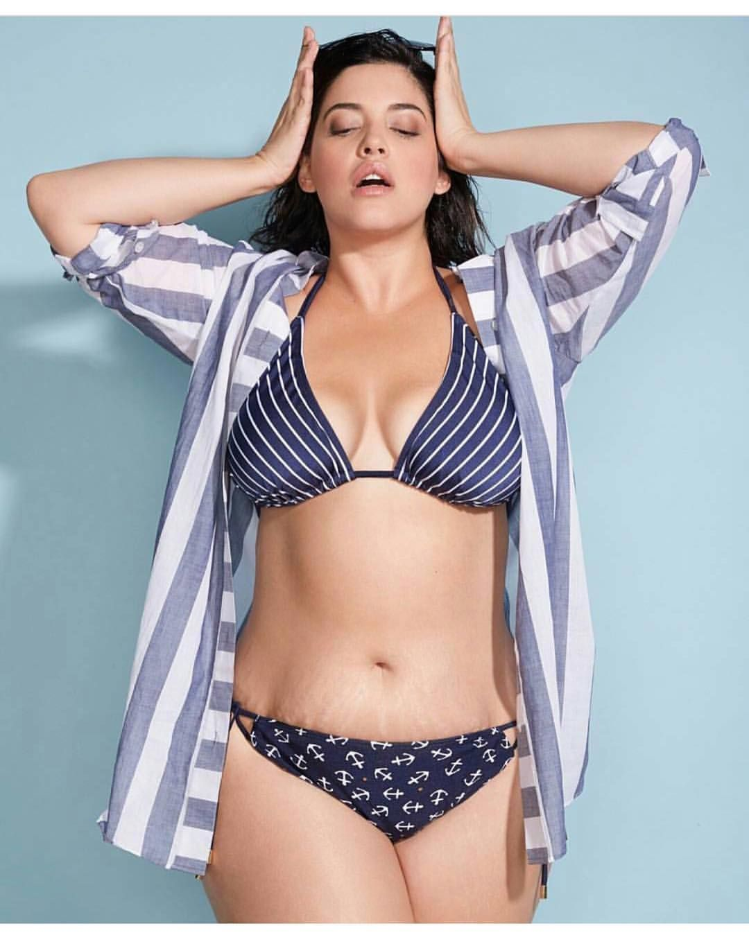 Curve Model Denise Bidot Proudly Shows Her Cellulite in