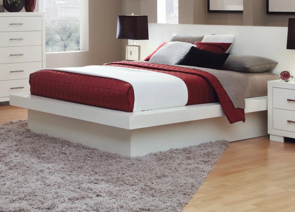 Jessica White E King Platform Platform Bed with Rail