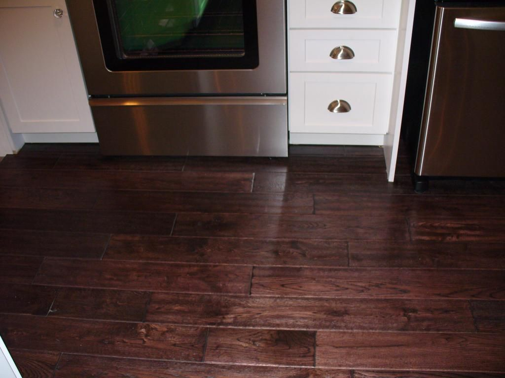 Virginia Mill Works 3 4 X 4 3 4 Old World Oak Handscraped Oak Wood Floors White Oak Wood Wood Floors