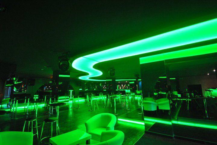 Decoraci n de discoteca techos tensados stretch ceilings pinterest discotecas decoraci n - Discoteca ozona madrid ...