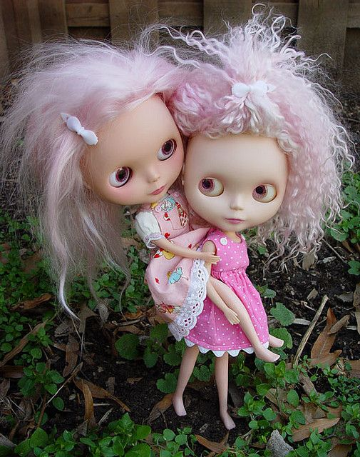 Enid and Mabel by Ragazza*, via Flickr