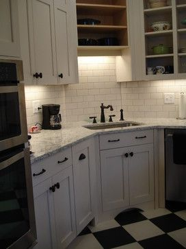warm white cabinets lg viatera rococo counter warm white crackle rh pinterest com