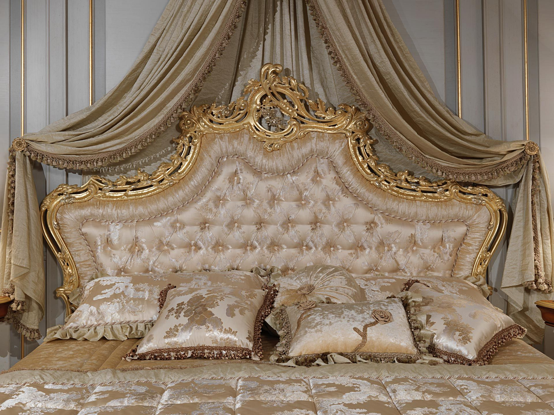 Bed with capitonné headboard | Vimercati Classic Furniture ...