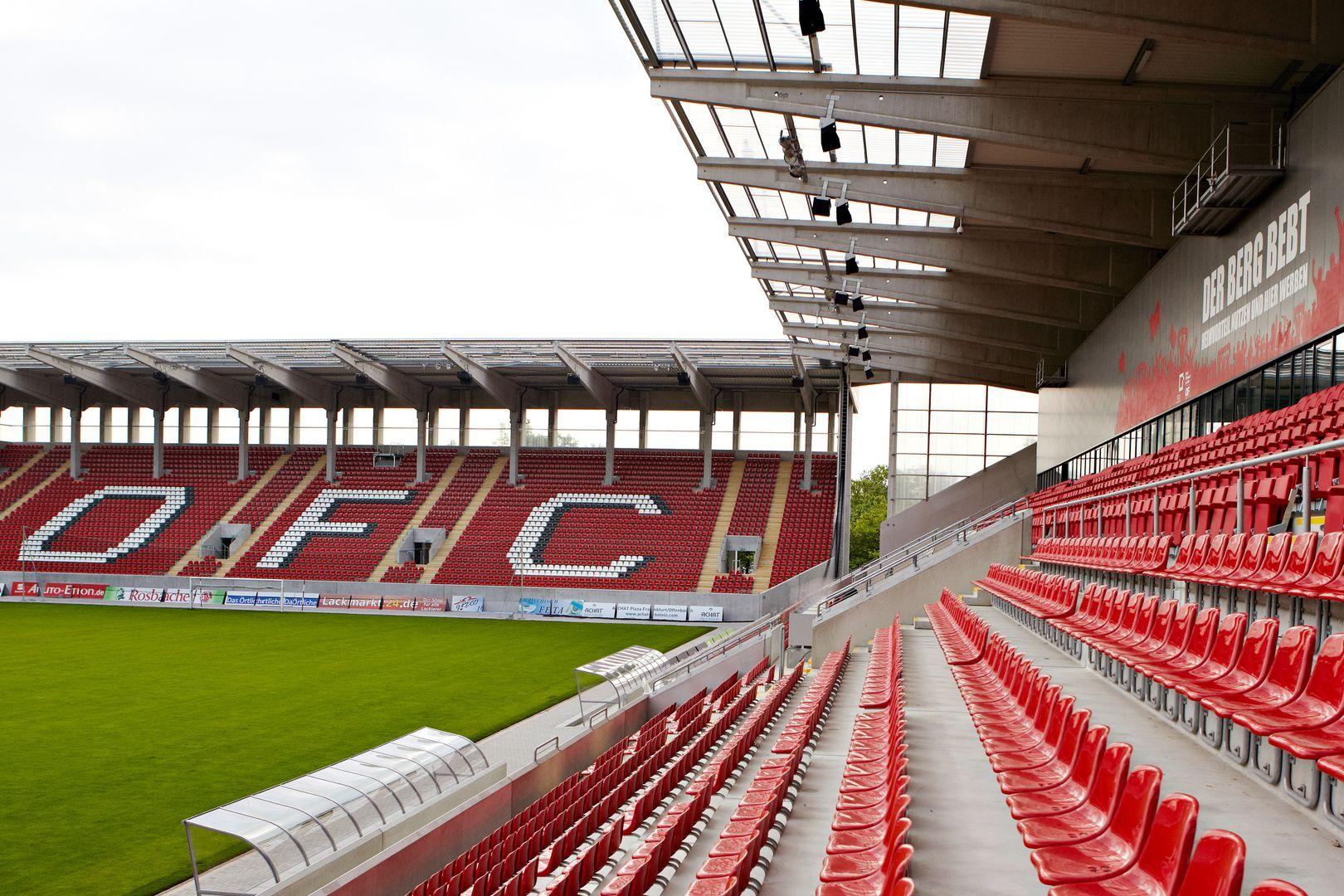 Sparda Bank Hessen Stadion Offenbach Am Main Alemania Capacidad 20 500 Espectadores Equipo Local Kickers Offenba Kickers Offenbach Offenbach Am Main Kicker