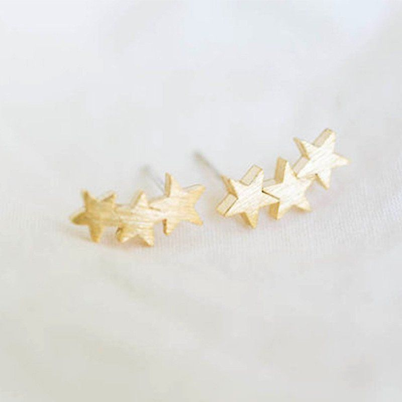 b6fb1dd81 Three Star Stud Earrings | Dream to have :D <3 | Earrings, Star ...