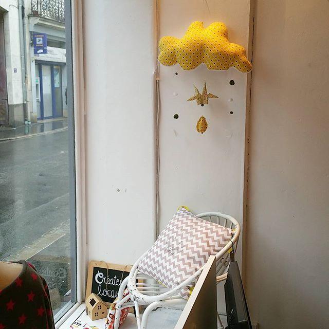 Temps pluvieux à Nantes mais on a les plus jolis nuages @laprincessetzigane  #mobile #nuage #grue #origami #décoration #enfant #Nantes #7ruecopernic #Créateurs #madeinfrance #faitmain by lespetitscopernic