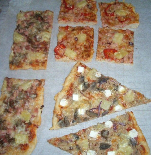 Muutama pellillinen pitsaa