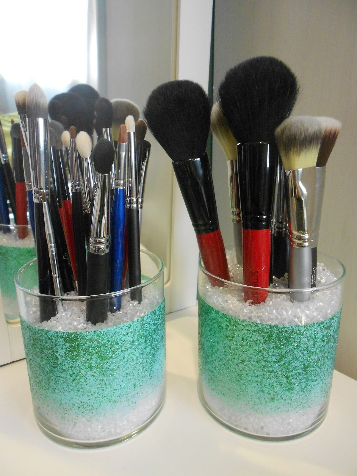 Makeup brushes  MAKEUP BRUSH HOLDERS