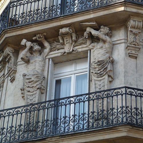 Rambarde De Balcon Parisien Dans Un Immeuble Classe Fer